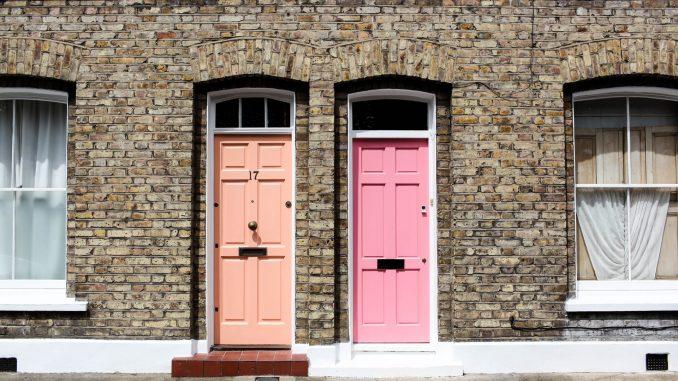 3 Tips voor het gebruik van kunststof deuren in de decoratie